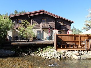 1 block to ski-riverfront-in town! 'River John' Prime Townhouse! WIFI-Fireplace-