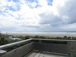 Stunning views 1 Bedroom, 2 bathroom, beachfront on Heceta Beach - Stowaway