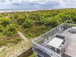 Wonderful Direct Ocean front home with private trail to the beach!
