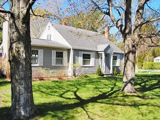 Lovely and Charming Home in Picturesque Downtown Leland. Walk to Beach!