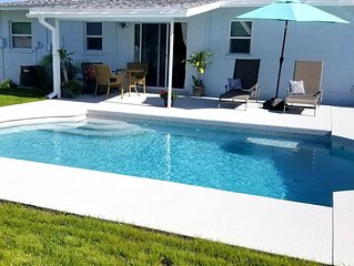 Private Pool House 6 miles from the Beach