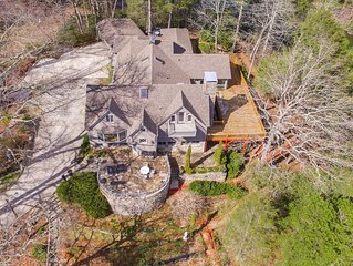 Lake Summit Estate.  Directly On The Water!