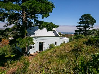 Noordhoek Beach Cottage - relax in nature but close to all amenities!