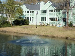 Lovely 2 bdrm townhome on pond