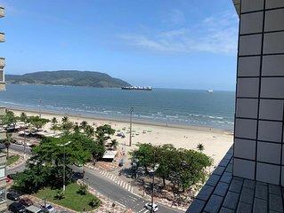 Amplo Apartamento de Frente ao Mar