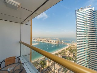 Elegant and huge penthouse on high floor with sea view in Dubai Marina