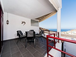 Apartment with ocean view, free wifi and parking