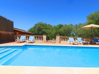 Can Guillem, Air Conditioning, Wi-fi, Pool, Garden, 15 Minutes From The Beach