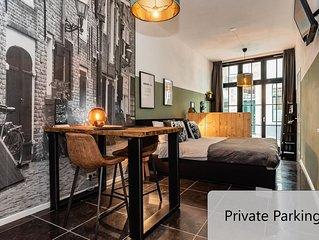 Luxe studio in hartje Middelburg met privé parkeerplaats!