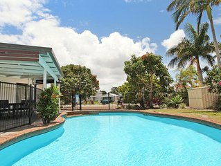 Coppabella 46a - 4 Bedroom House w/ Pool+ WIFI+ Foxtel+ BBQ+ Aircon  in Mooloola