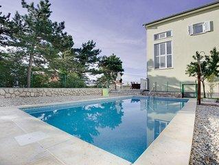 Ferienzimmer mit Pool