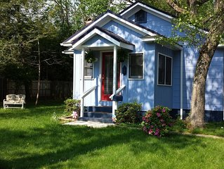 Downtown Bungalow! Pet Friendly -  WIFI!