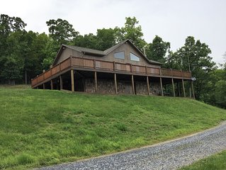 Spacious Private Retreat with Great Views of Page Valley & Blue Ridge Mountains