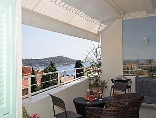 Villefranche/Mer Old Town. Large terrace w/superb seaview. Close to restaurants