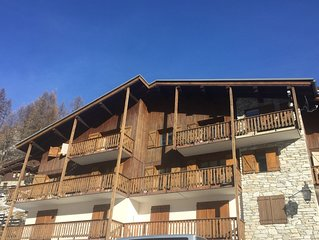 Large 3 Bed Self Catering Apartment with mountain views