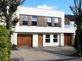 Cambridge: Modern, spacious house in residential location close to city centre