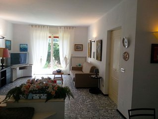 Exclusive villa apartment in residential area close to the sandy beaches
