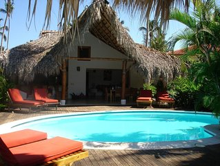 Romantisch caribisch huis met zwembad,tropische tuin, 65 meter van het strand