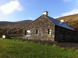 Traditional Irish Cottage Offering 5 Star Luxury with Hot Tub