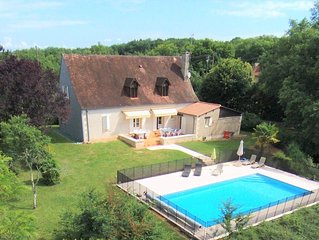 Villa Black Perigord quiet with private heated pool 15pers