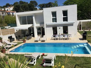 Luxury Villa, Pool, Spa, Air Condit, Handy Access, walk to Beach and Restaurant