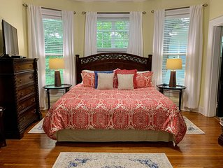 Bear House 1890, Workman Wing, Upgraded Detailed Amenities, Walk to Cafes, Shops