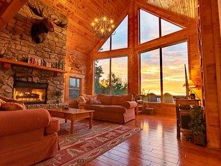 Shenandoah Peak Log Home - Spectacular Views at the Ultimate Getaway!