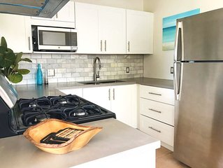 Clearview Villas (LOWER): Casual, Bright, Steps from Sea, Great for families!