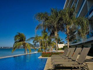 Five Star Luxury Beachfront Condo, Bucerias