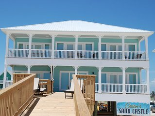 CUSTOM BEACHFRONT 5 Bedroom 4 1/2 bath Single family home, sleeps 18 in beds