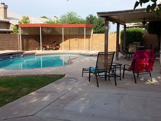 Relaxing Home, Large Private Pool, Great Location