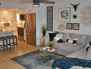 Waterfront Town Home on a Lagoon, Newly Renovated, Luxurious Furnishings & Decor