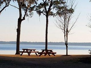 Lakefront Condo w/Boat Slip at North Shore. 3BR/3BA -- Fishing, Golfing, Boating