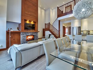 BEST SKI IN-OUT & LOCATION TREMBLANT! CHIC, cathedral ceiling, hardwood floors