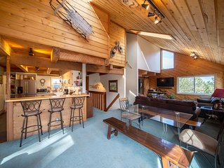The Ned 'Stead: Sleeps 16, Dog Friendly House With Sauna and Great Views