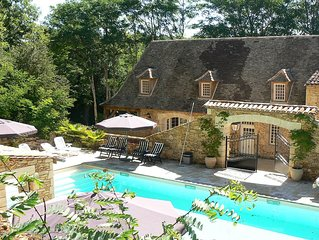 Gorgeous Country House with large luxurious (shared) pool 14.5m x 6m