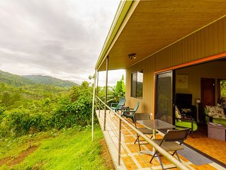 Cozy Cottage with view in tranquil mountains of La Suiza, Turrialba, Costa Rica