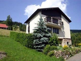Ferienhaus mit Gartengrill direkt an Wanderwegen