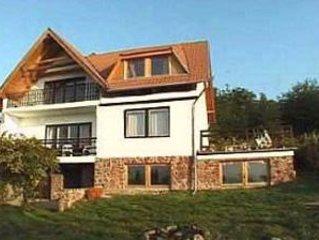Neue Wohnung mit Seeblick, etwa 200 Meter von schönem Strand entfernt