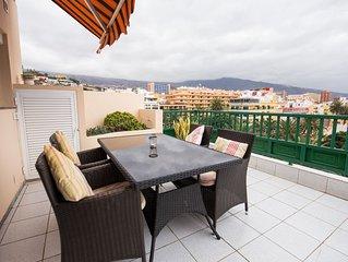 Komfortables Penthouse (95 m2, grosse Sonnenterrasse, wenige Minuten vom Strand)