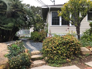 Garden Retreat With Art, Antiques, Library, & Steinway. Dogs ok, 30 day min.