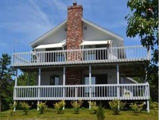 Shipshape 4 Br with Sunset Views