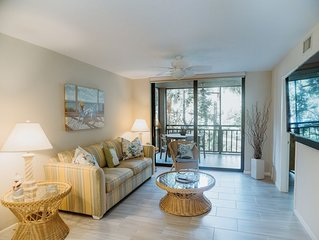 *UPDATED 2018* mattresses, floors, 55' 4K TV - Bonita Bay, Gated w/Private Beach