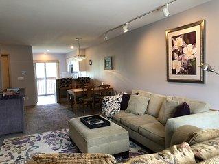 2 bedroom 3 bath, garage, wifi, pool Lagoon Town Home in Frisco