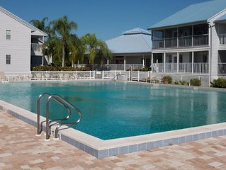 Wonderful Condo on the Myakka river, close to beaches. Recently remodeled.