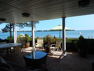 Waterfront! Spectacular Panoramic Views-Open BayFront-WetBar+HotTub
