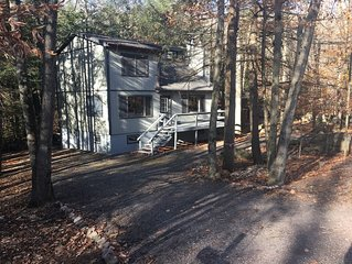 Clean, Rustic & Secluded Mountainside Chalet 4bd/2ba Sleeps 13