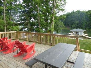 Brand new beautiful waterfront home on Lake Anna