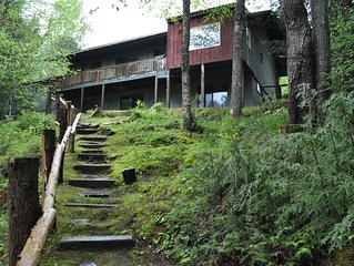 Secluded Waterfront Cottage Walking Distance To Downtown Lake Placid -