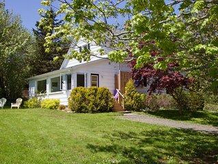 Boutique Farmhouse Cottage; 60 acres; Annapolis Royal 5 min.